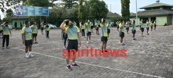Personil Bersama PNS Korem 141/Tp Olahraga Bersama
