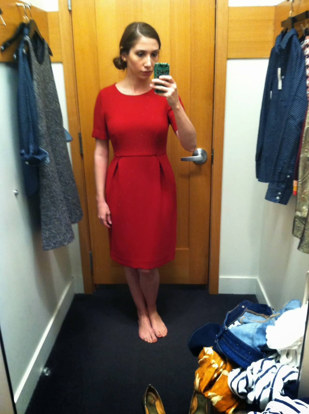 6f297e3e92d The dress I tried on in-store (and purchased) is the Crepe Short-Sleeve  Dress in ...