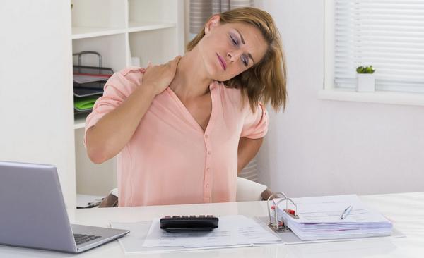 9 Cara Praktis Meredakan Rasa Sakit dan Pegal Pada Leher