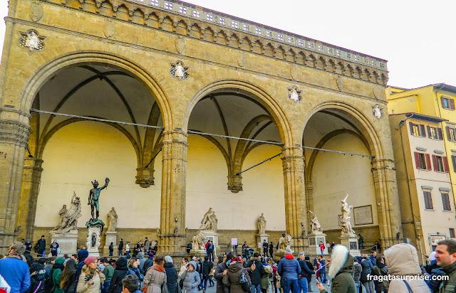 Loggia dei Lanzi, na Piazza della Signoria, em Florença