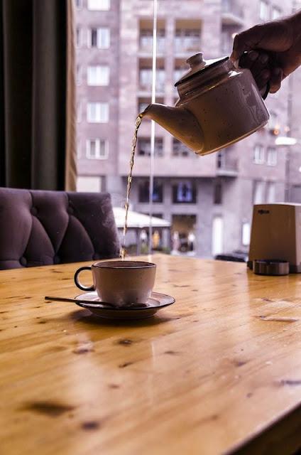 Чому фахівці не рекомендують пити остиглий чорний чай