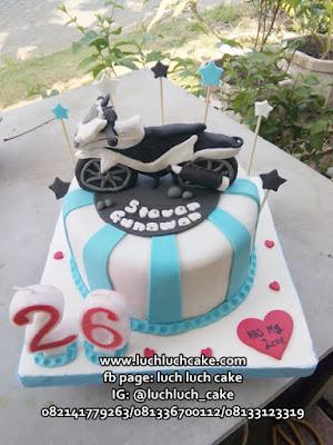 Kue Tart Ulang Tahun Tema Motor CB