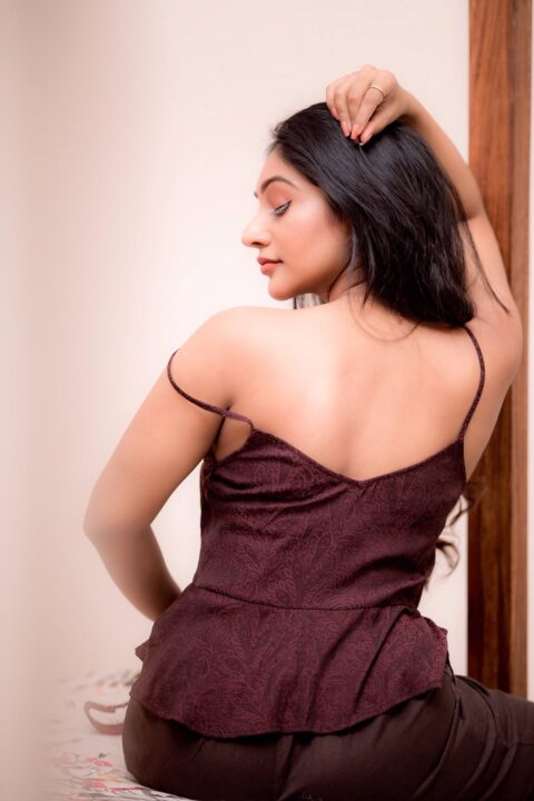 Bommu Lakshmi Hot Stills