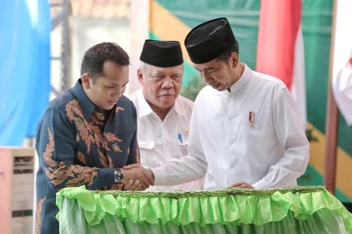 Ribuan Santri Sambut Presiden Jokowi dan Gubernur Ridho di Lampung Timur