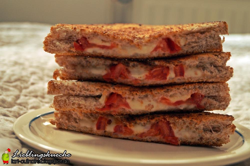 amerikanischer Tomate-Mozzarella-Sandwich