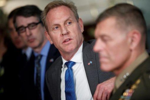 Renuncia secretario de Defensa en funciones de EU.UU.