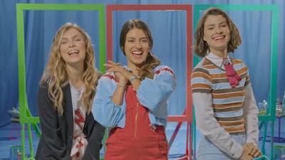 Bia, Celeste e Chiara de Disney Bia juntas em Tu color para pintar