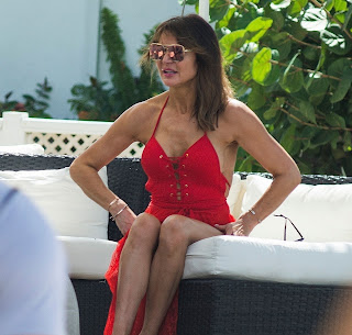 Lizzie-Cundy-in-red-swimsuit-on-the-beach-during-her-winter-holiday-in-Barbados.-o7id99fw6d.jpg