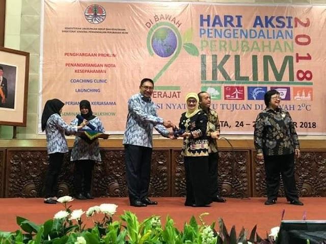 Bupati Indramayu kembali Raih Penghargaan dari kementrian.