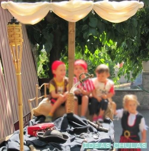 Niños disfrazados de pirata