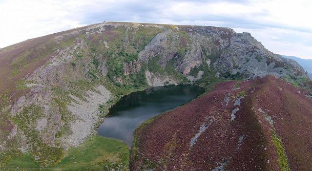 Lake Truchillas / J. Fernández-Lozano/ R. Andrés-Bercianos