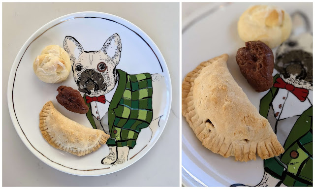 Plates with dogs