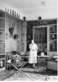 Helena Rubinstein dans son appartement du 24, quai de Béthune, ile Saint-Louis