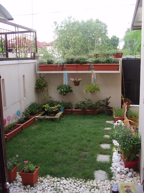 A 20 square meter terrace can be designed as a small garden like this.