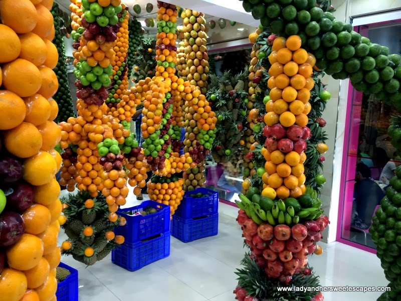 vibrant and fruity decors at Juice World Dubai