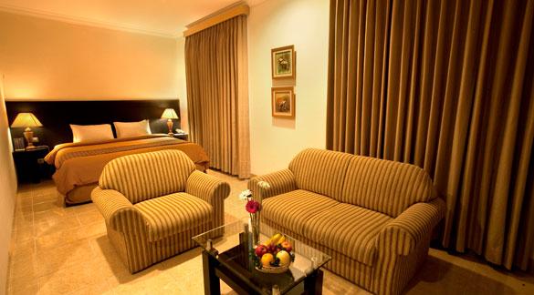 staycation Isola Resort