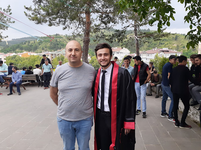 Fizik Öğretmeni Türker Karahasan ve Harun İstenci