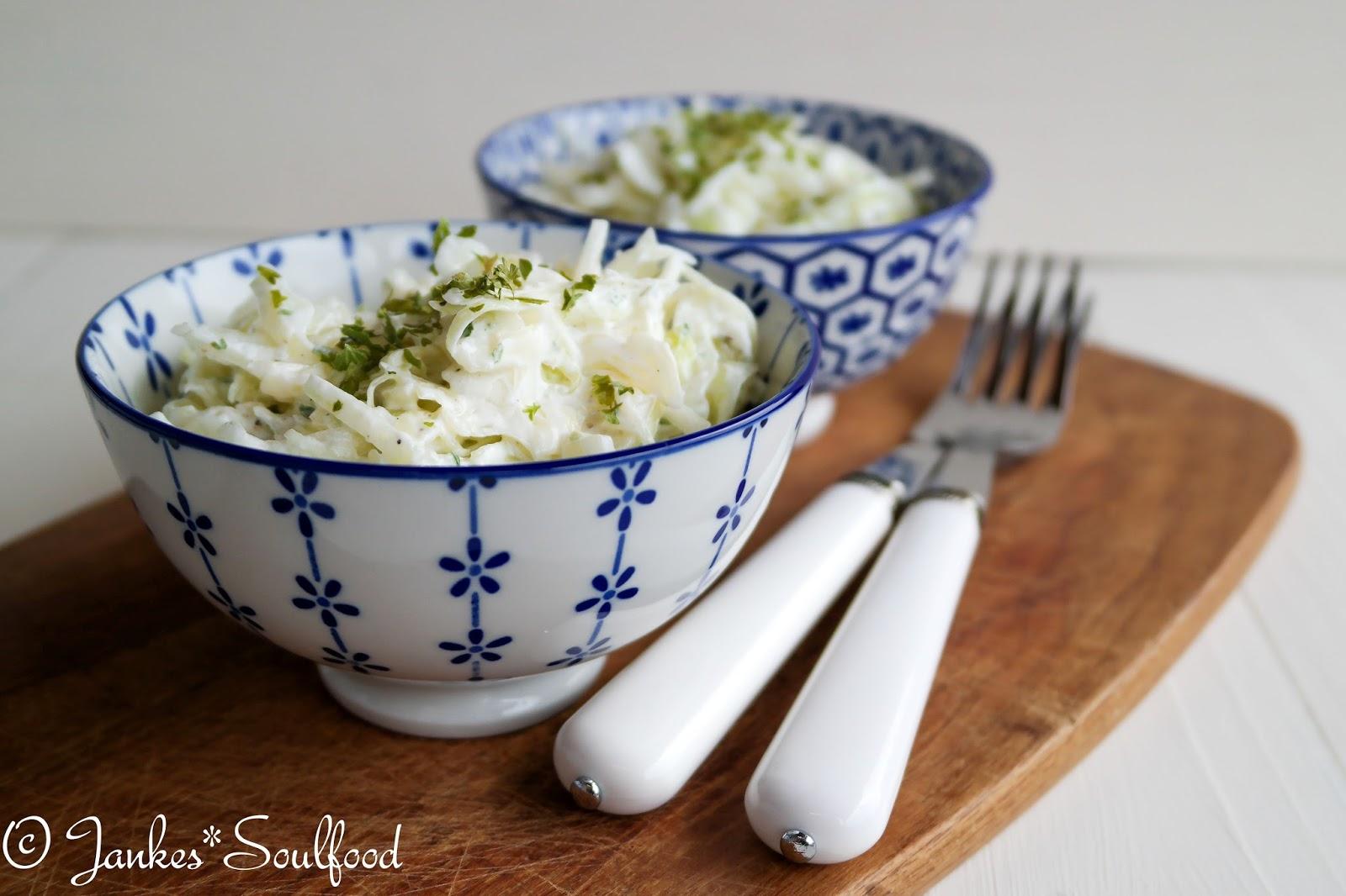 Krautsalat aus Spitzkohl