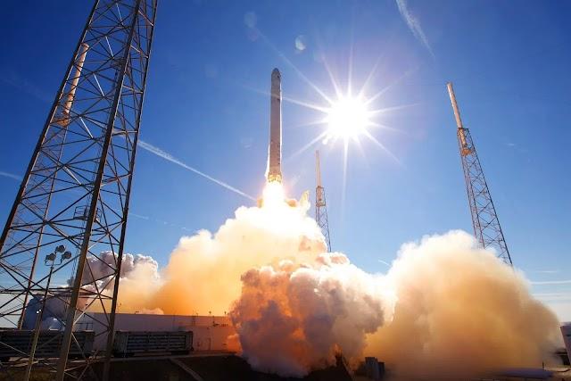 স্পেস-এক্সের নতুন রেকর্ড    New record build by #SpaceX-143 satellite