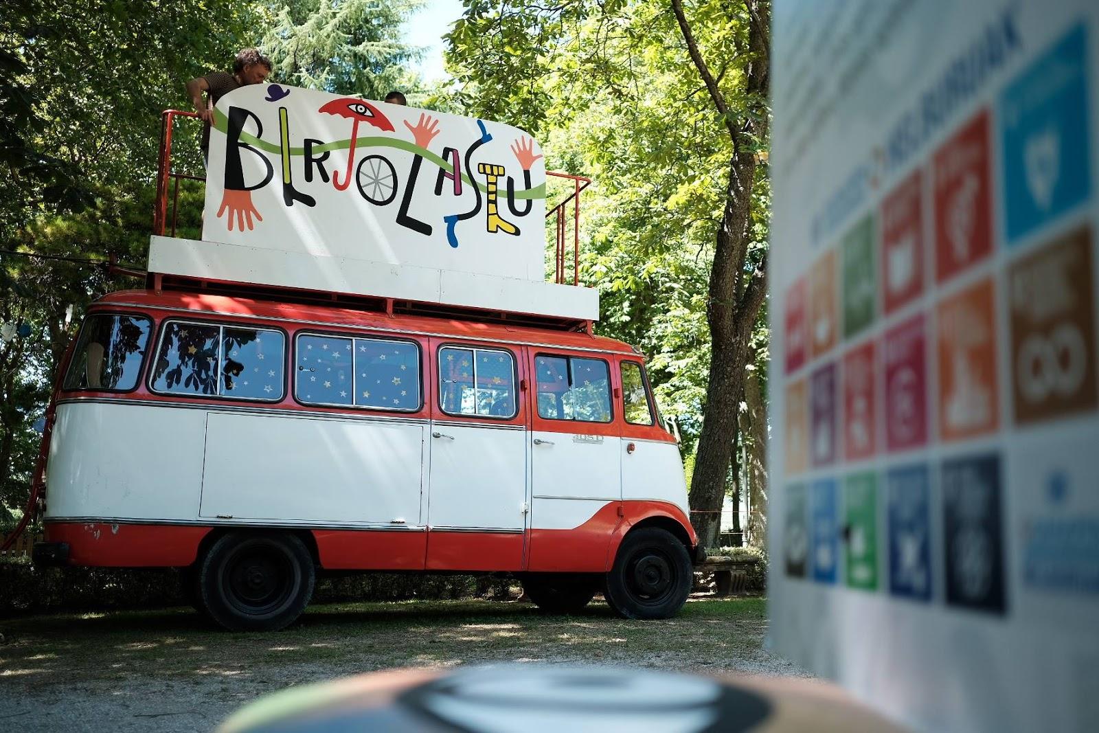 Birjolastu Un Espacio De 10 Para Los M S Peque Os Agenda  # Pequenos Gigantes Muebles