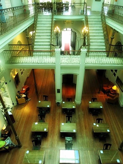 Área de estudos da Biblioteca Pública Pelotense.