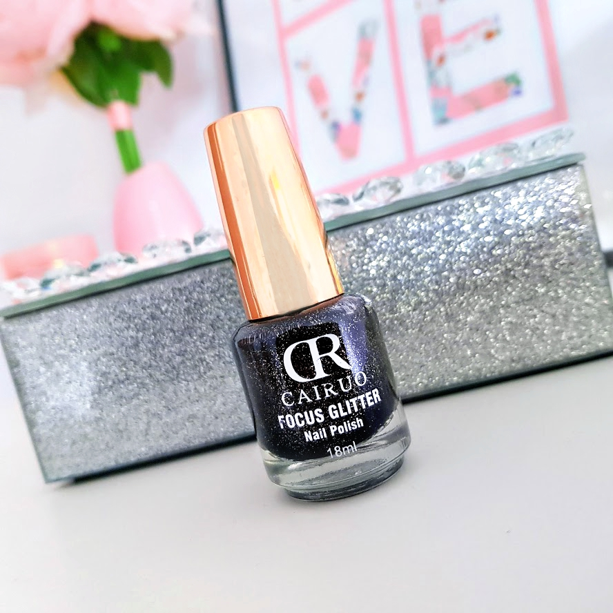 Lakier do paznokci od CR Cairuo z serii Focus Glitter - czerń z dodatkiem srebrnego brokatu, nr 06.
