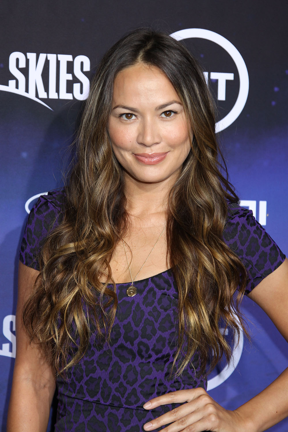 Falling Skies Wallpaper Moon Bloodgood Photos Tv Series Posters And Cast