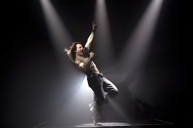 film Rock of Ages 2012