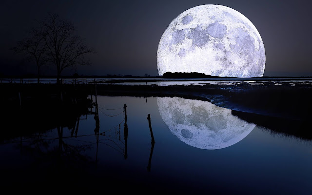 Moon-ultra-HD-wallpaper-for-Mobile-Phone-and-iPhone