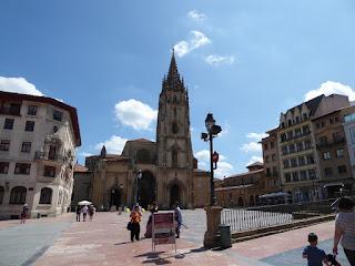 La guerra civil española como ruta turística Oviedo en la ruta del norte