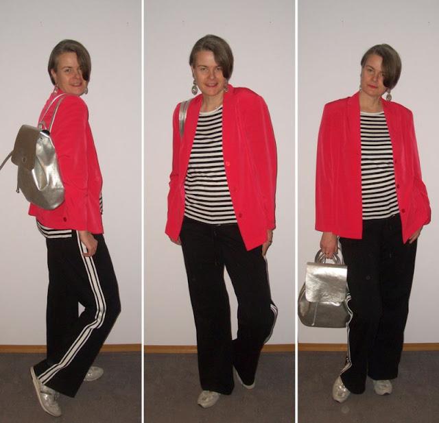 Athleisure Pants mit Blazer und Ringelshirt kombiniert