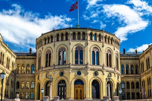 Noruega acusa a Rusia de ciberataque a su parlamento