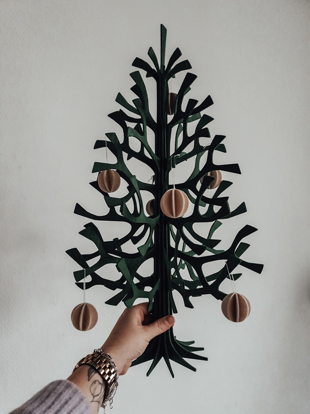 Nordic Christmas: Lovi - introducing the perfect sustainable 3D wooden puzzle Christmas tree elisabeth rundlöf