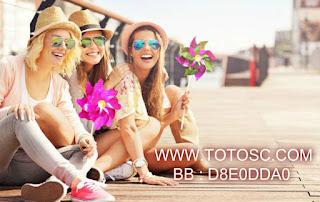 [Image: pizap.com15242756268371.jpg]