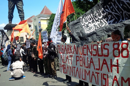 Mahasiswa Solo Tuntut Pemerintah Bubarkan Densus 88