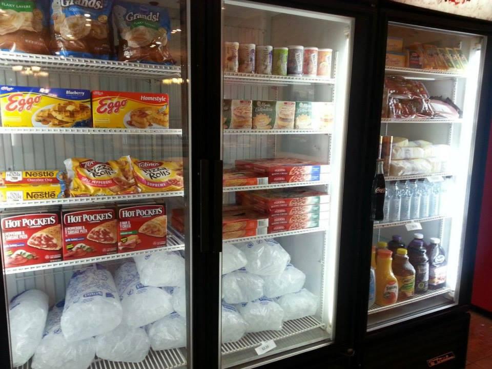 freezer penuh makanan