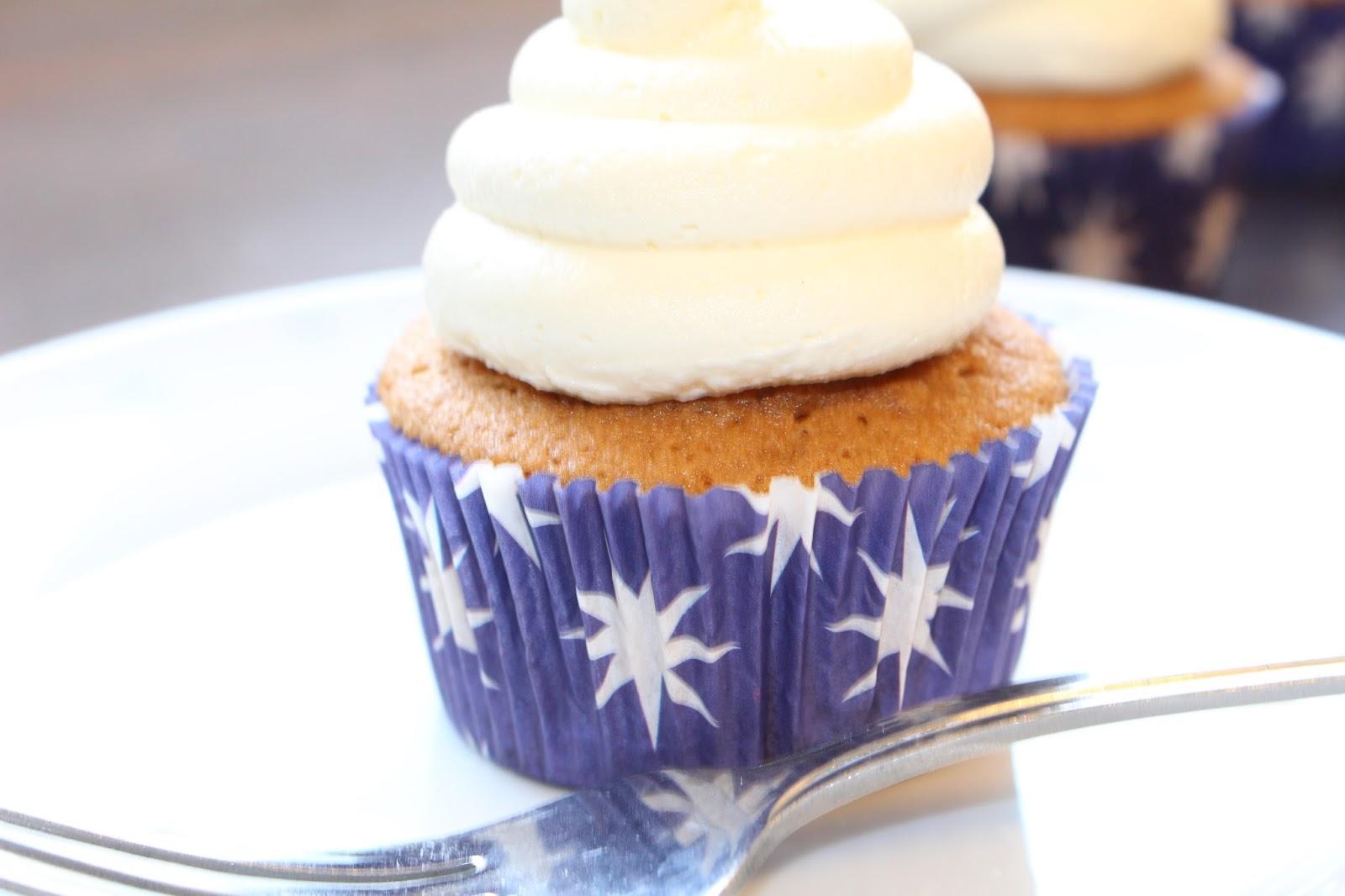Cupcake Jemma's Vanilla Cupcakes And Vanilla Buttercream