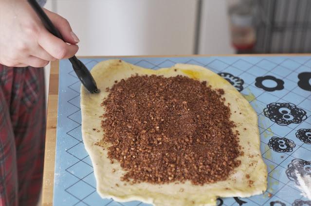 Walnut cozonac - the making of