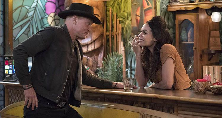 Woody Harrelson y Rosario Dawson en Zombieland: Mata y Remata