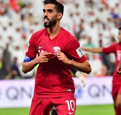 منتخب قطر يتاهل مع العراق لنصف نهائي