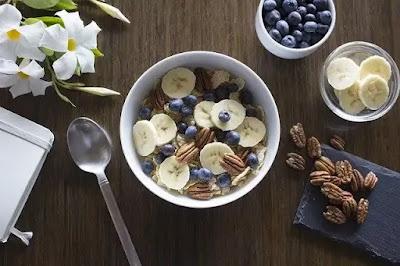 berries, walnuts and banana