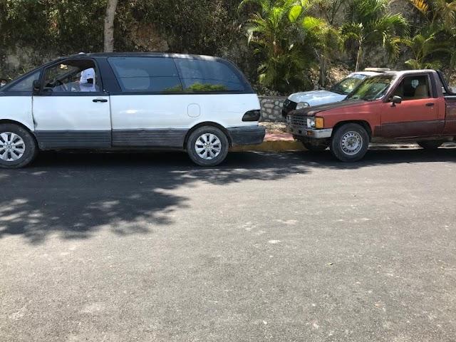 Detienen en Polo a Dos Vehículo con indocumentados haitianos y contrabandos.
