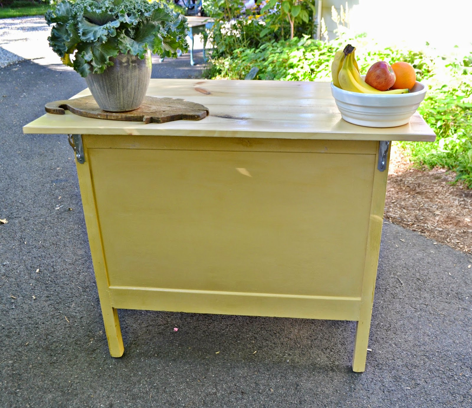 What Are The Shelf Supports On A Kitchen Island Called
