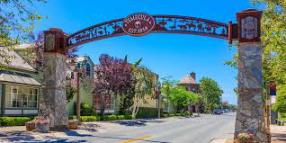 California town pays tourists $100 to come visit