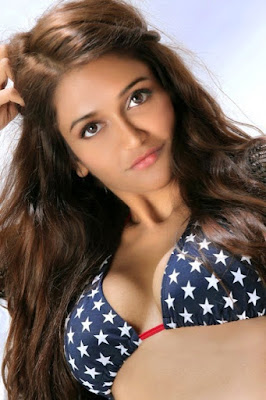 Actress Anaika Soti Hot Spicy Photoshoot Images