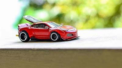 xe Hotwheels Ferrari 10