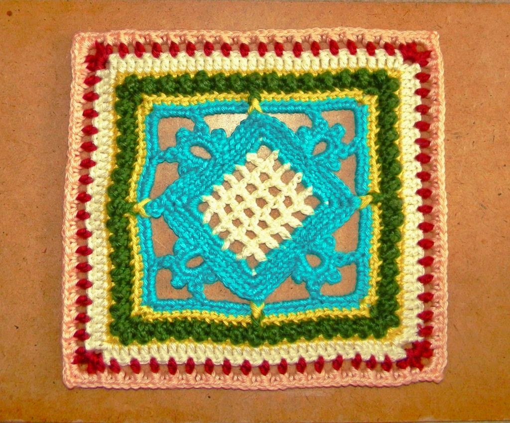 "Free crochet pattern - Counterpoint 12"" granny"
