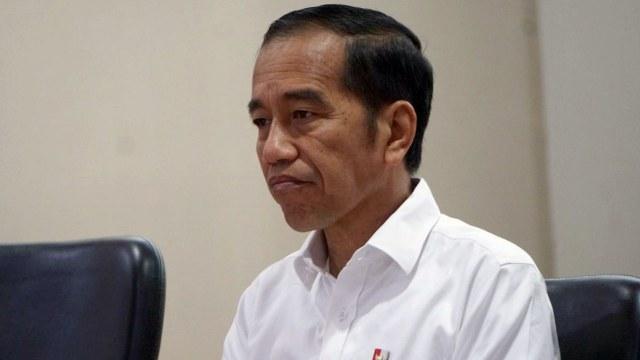 Jokowi Terus Didesak Mundur, Tagar #BapakPresidenMenyerahlah Trending di Twitter