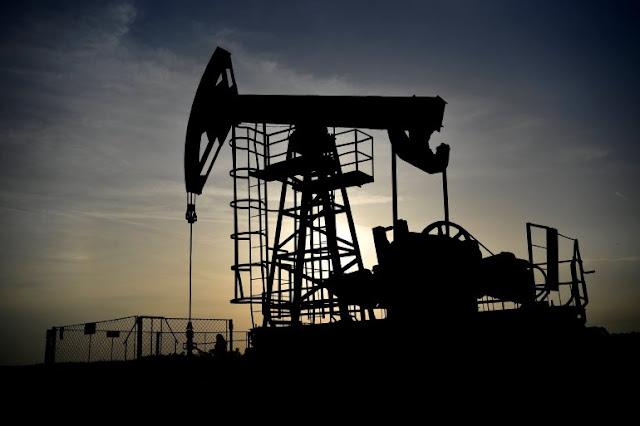 LATINOAMÉRICA: Caída de la producción petrolera venezolana fue tal que se produjeron 720,000 barriles diarios.