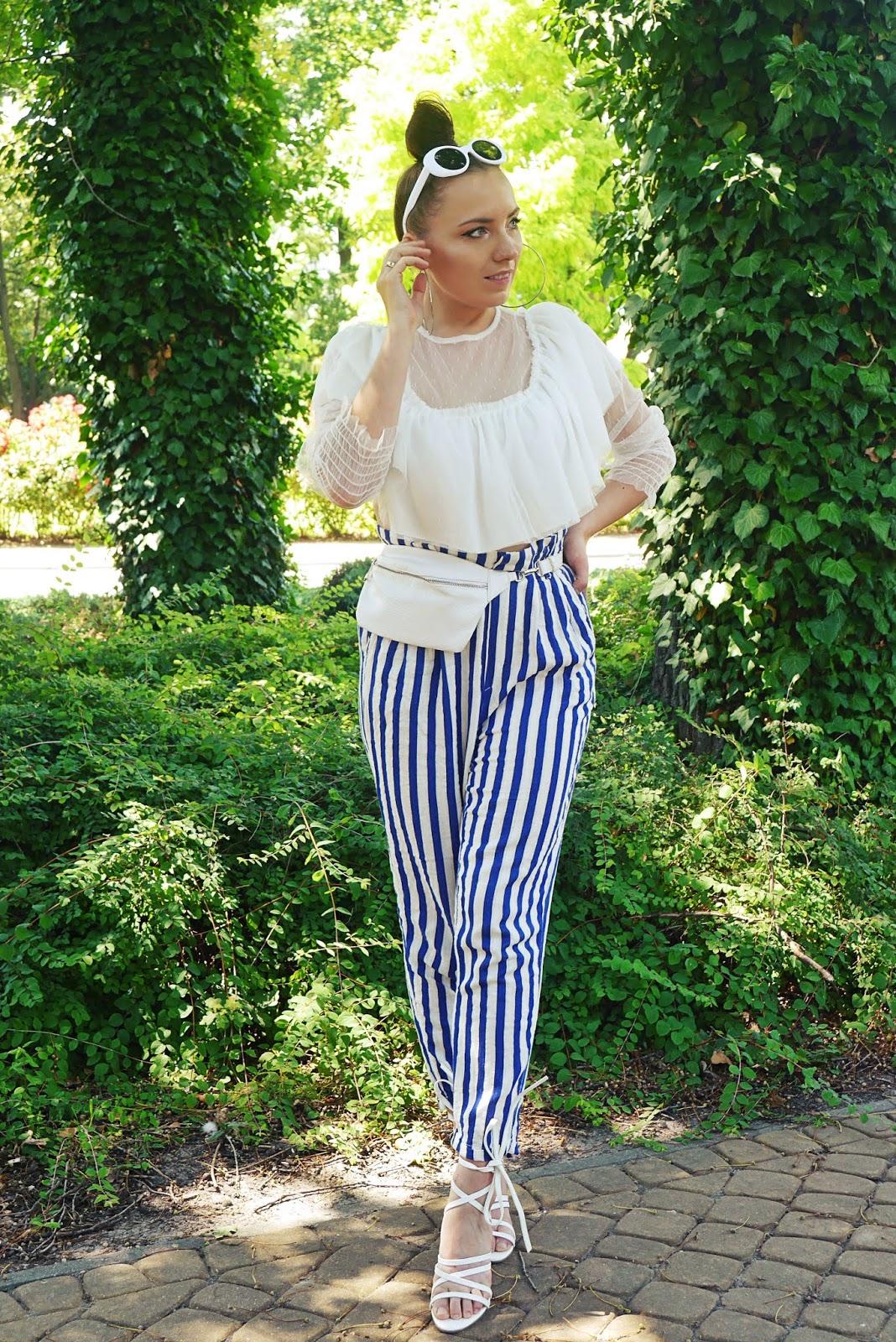 blog modowy blogerka modowa puławy spodnie w pasy top shop biały przezroczysty top sandałki na słupku bonprix białe nerka torebka okulary przeciwsłoneczne białe puławy
